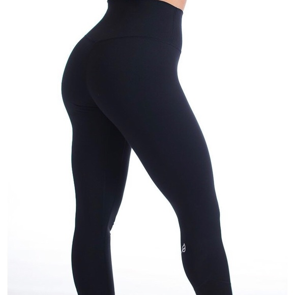 Pants Jumpsuits Ptula Alainah Allure Ii Leggings Smooth Black Poshmark About alainah alainah enrolled in her first bby fitness program at a time in her life when she was battling depression. poshmark
